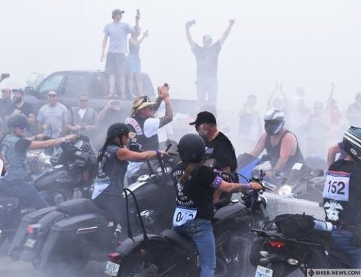 Babes burnout to benefit women's shelters at third annual Rideau Rendezvous motorcycle rally